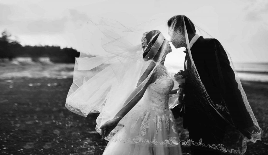 عکس زوج در عکاسی عروسی
